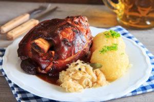 Как приготовить свиную рульку по-немецки