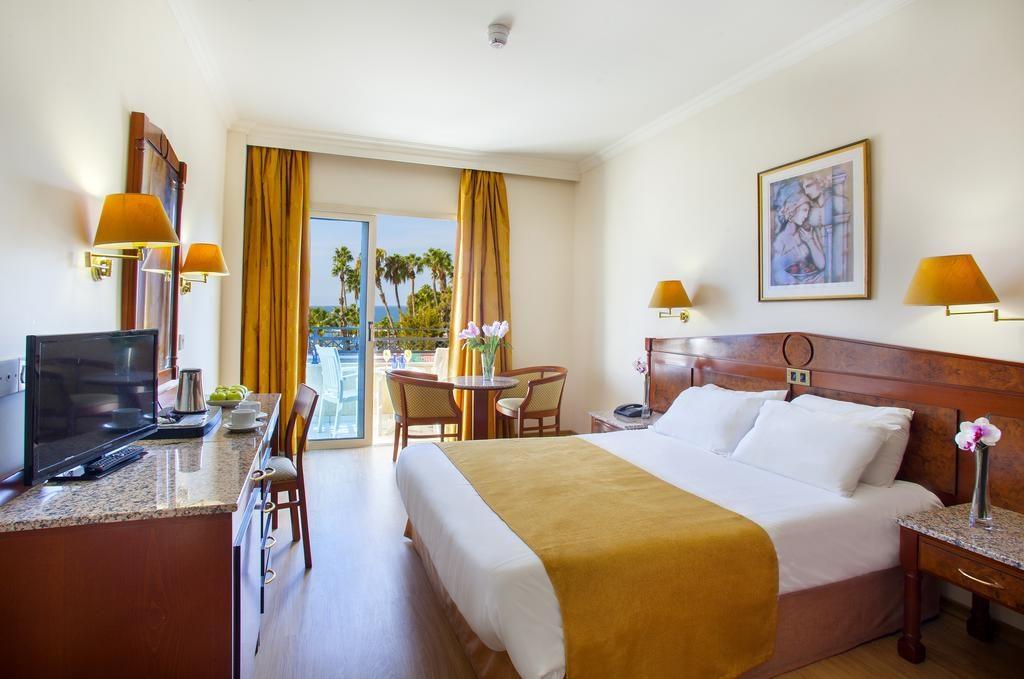 Kapetanios Limassol Hotel недалеко от муниципального парка (Лимассол, Кипр)