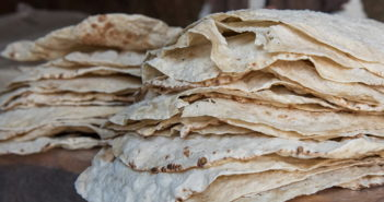 Армянский лаваш на сковородке — тесто и пошаговый рецепт
