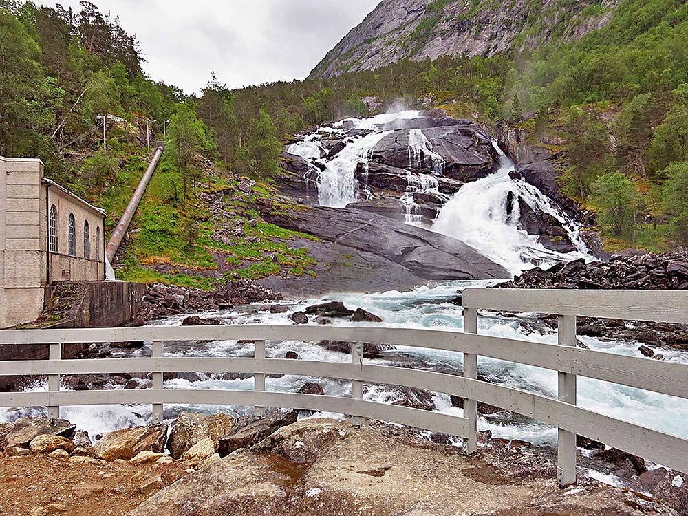 Долина водопадов Хьюседален — первая часть маршрута