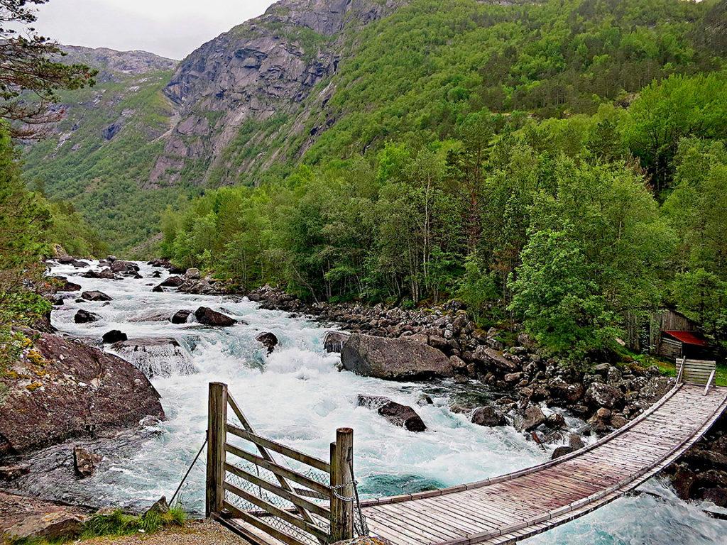 Долина водопадов — один из самых доступных маршрутов Норвегии