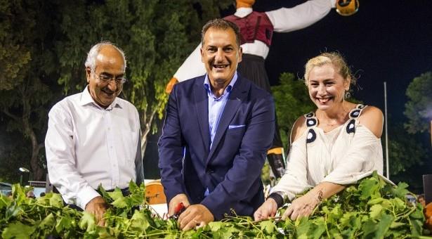 Организаторы фестиваля вина (Лимассол, Кипр)