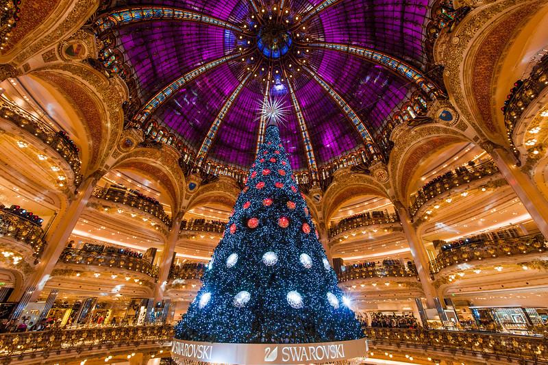 Главный праздник в Париже: Рождество