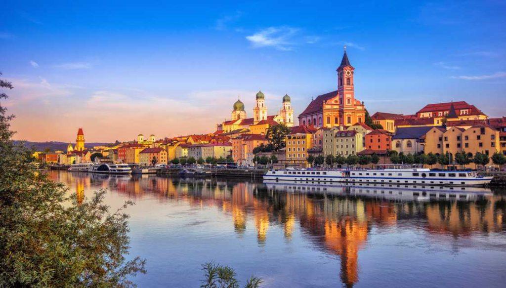 Пассау, Бавария — город на границе с Чехией и Австрией