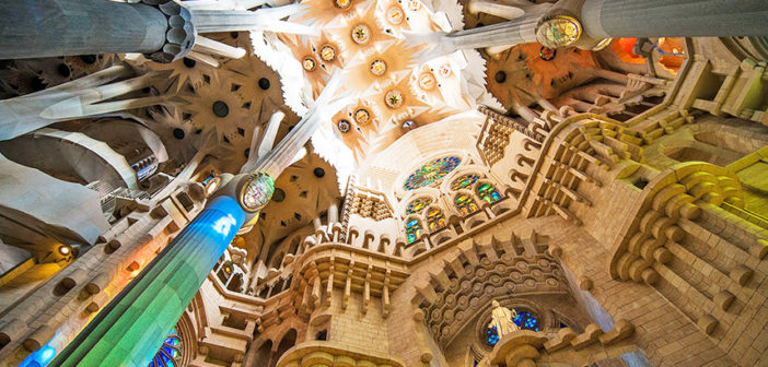 Экскурсия в Саграда Фамилия — шедевр Гауди в Барселоне