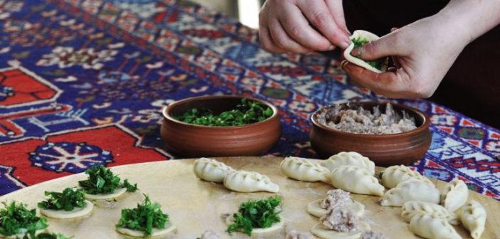 Гюрза — пельмени по-турецки (или по-азербайджански): рецепт и фото