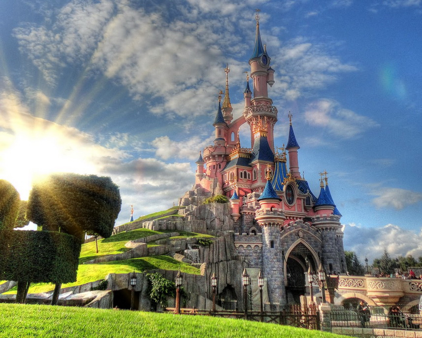 Диснейленд в Париже: как добраться, что посмотреть, аттракционы и экскурсии