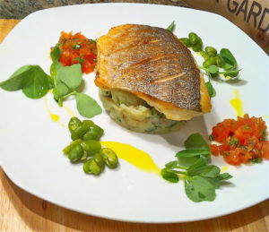Как приготовить дораду дома: продукты и рецепт