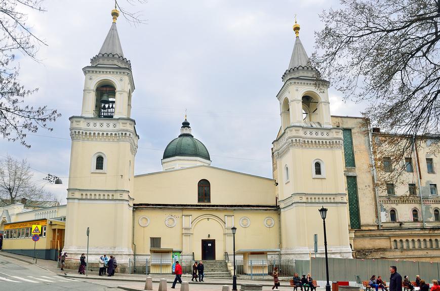 Один из монастырей Москвы в Малом Ивановском переулке