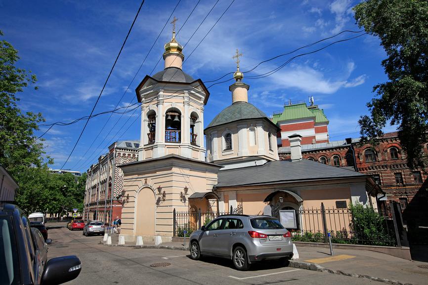 Храмы и монастыри в Москве: храм Сергия Радонежского в Крапивенском переулке