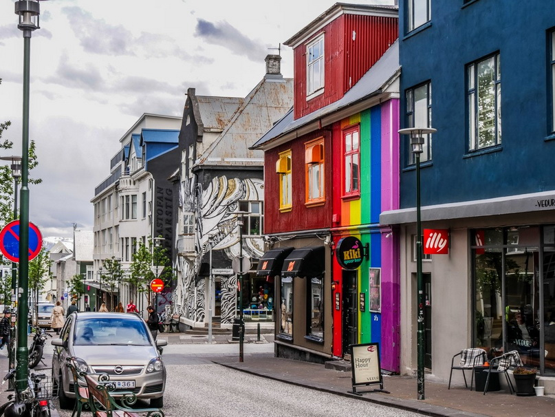 Где побывать в Рейкьявике: улица Лёйгавегур