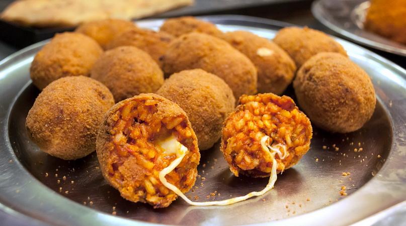 Что попробовать из уличной еды в Риме: суппли (suppli)
