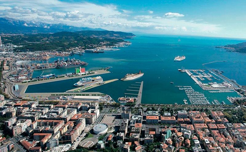 Куда поехать из Генуи на один день: город Специя