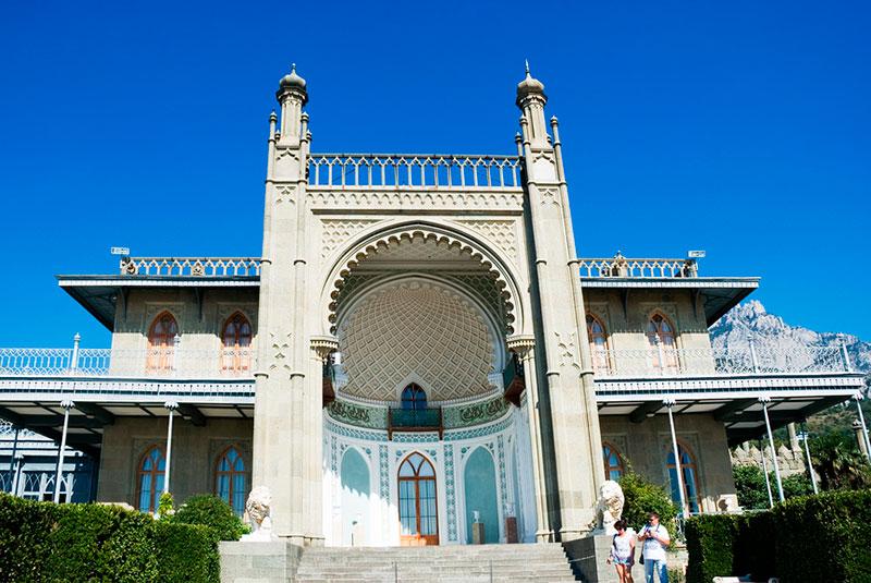 Лучшие экскурсии из Ялты: Воронцовский дворец