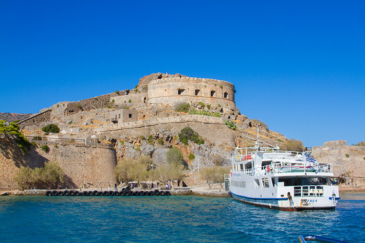 Гавань на о. Спиналонга (Крит, Греция)