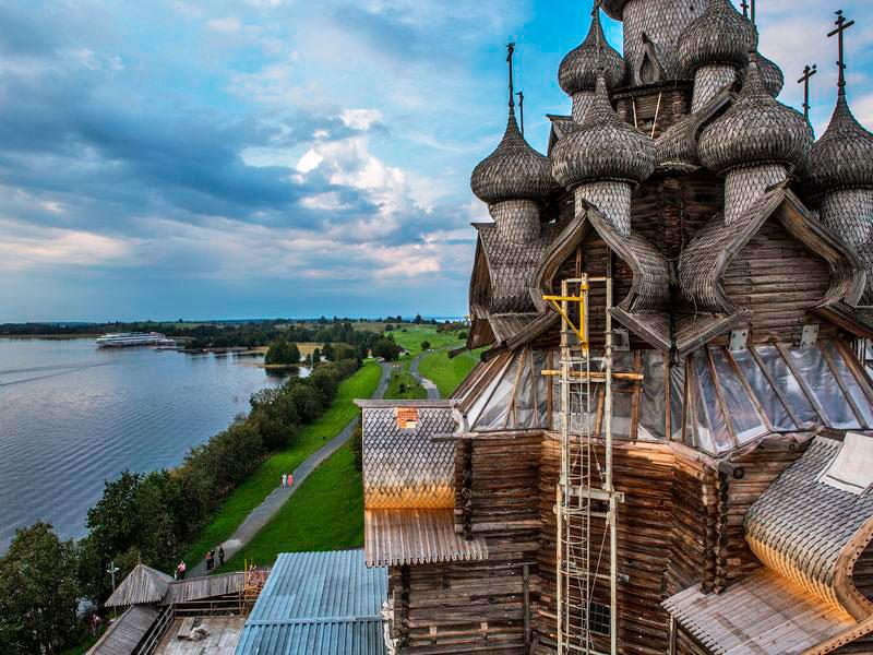 Куда поехать из Петрозаводска: музей-заповедник «Кижи»
