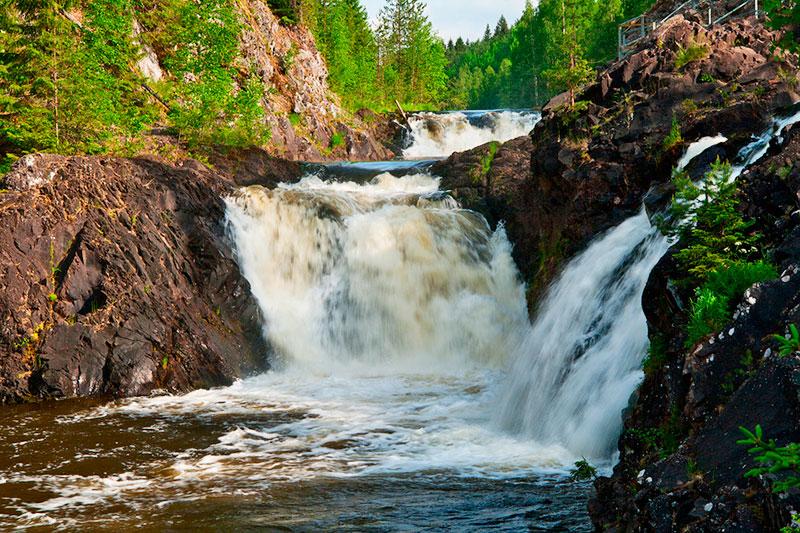 Экскурсии в Петрозаводске: заповедник и водопад Кивач