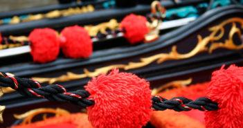 Венецианская гондола — история, стандарты и цены на прогулки по каналам Венеции