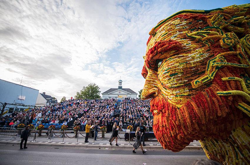 Парад цветов в Нидерландах: Винсент ван Гог