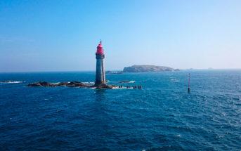 Коллекция фото Сен-Мало — живописного курорта в Бретани, на атлантическом побережье Франции. Крепость на берегу, маяк в море, набережная — все это Сен-Мало.