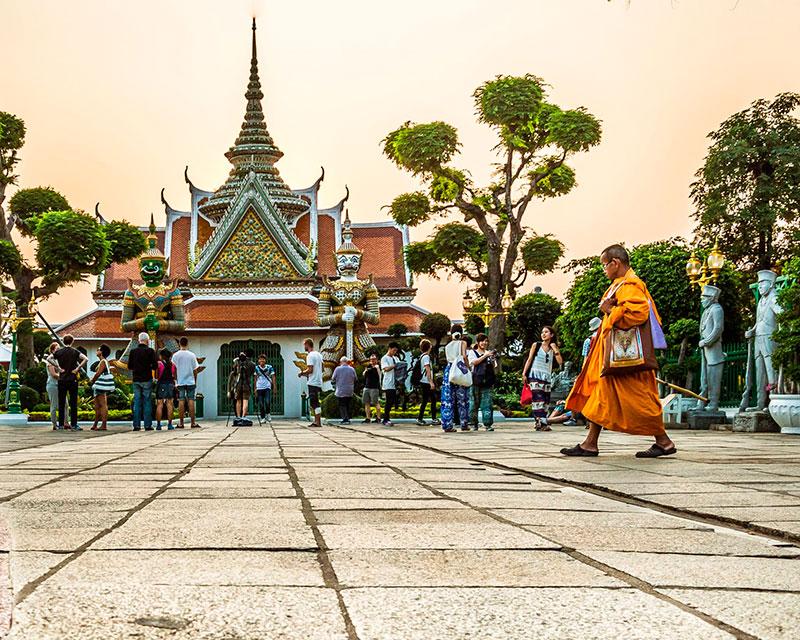 Как вести себя туристам в Таиланде: запреты и дресс-код