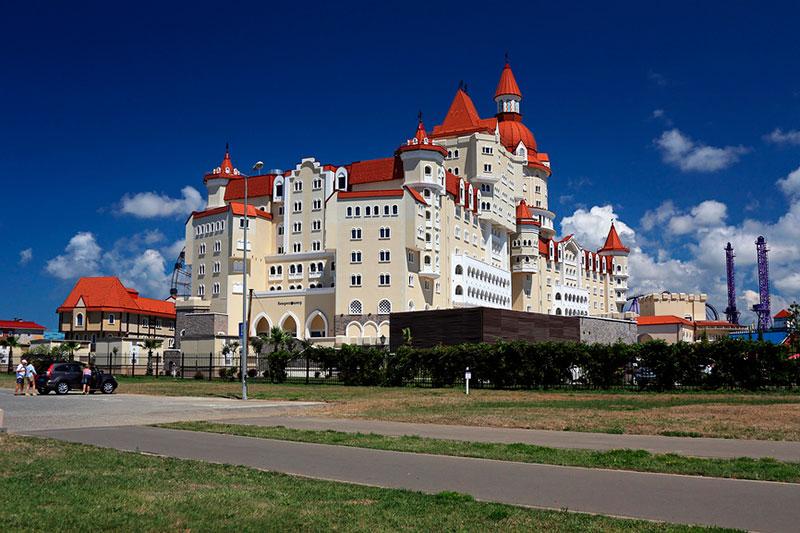 Где остановиться в Сочи Парке: отель Богатырь