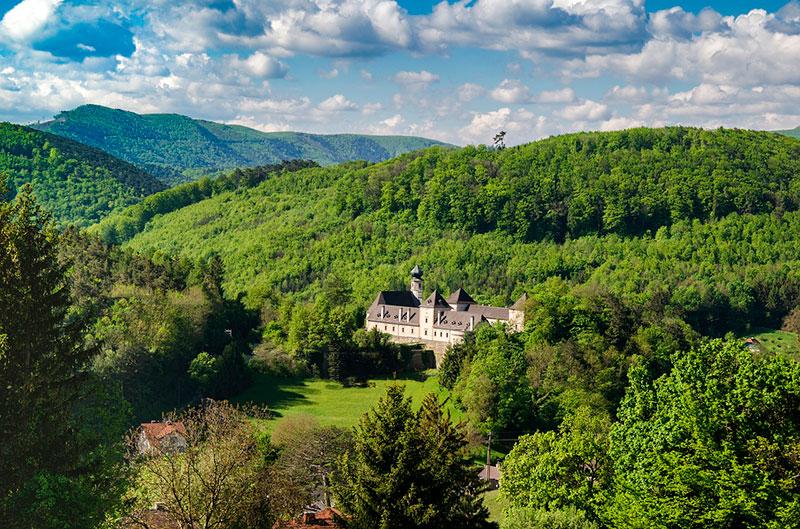 Достопримечательности Венского леса: замок Нойхаус