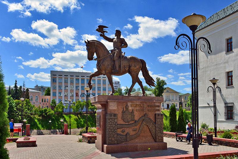 Интересные места и символы Витебска: памятник князю Ольгерду