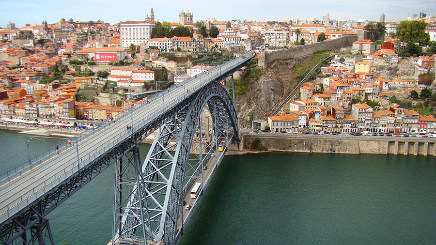 Мост Дон Луиш I — символ Порту (Португалия)