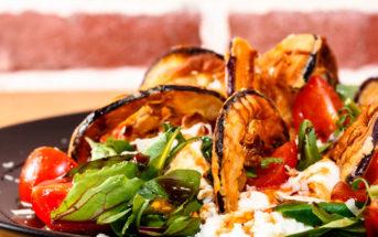 Салат «Пармиджано» с баклажанами, помидорами и моцареллой