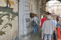 Скульптура Everard 't Serclaes на Гранд-Плас в Брюсселе
