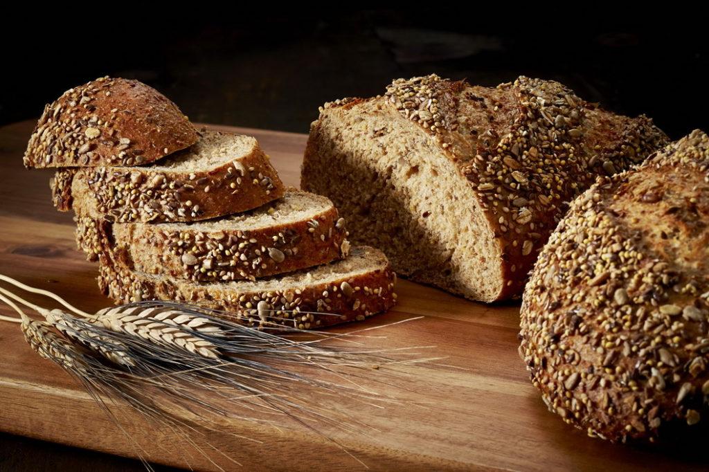 Цельнозерновой хлеб при анемии у женщин