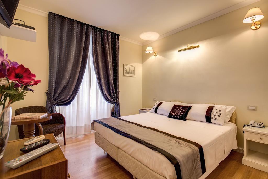 Отели Рима со своим баром: Flann O'Brien Rooms