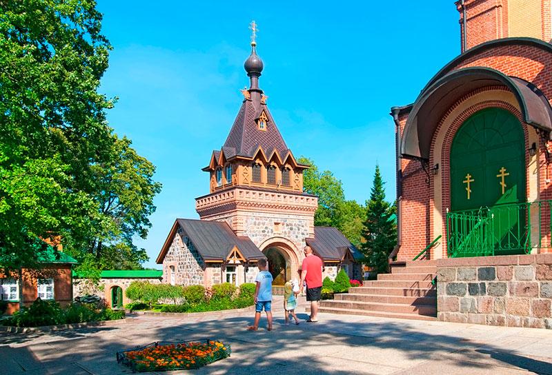 Куда съездить из Таллина на один день: Пюхтицкий монастырь