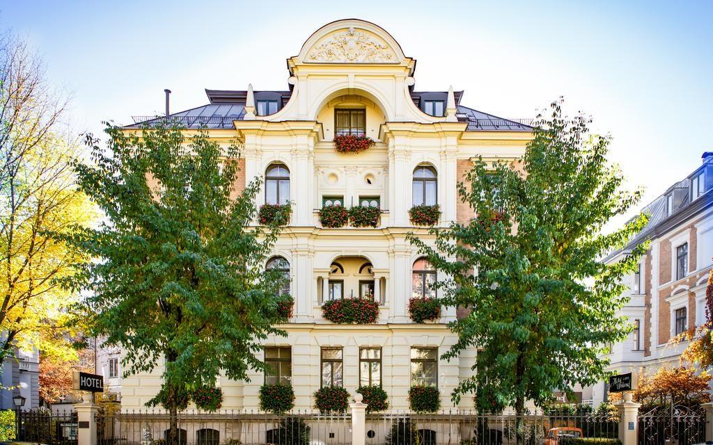 Отели рядом с Лугом Терезы в Мюнхене: Hotel Uhland
