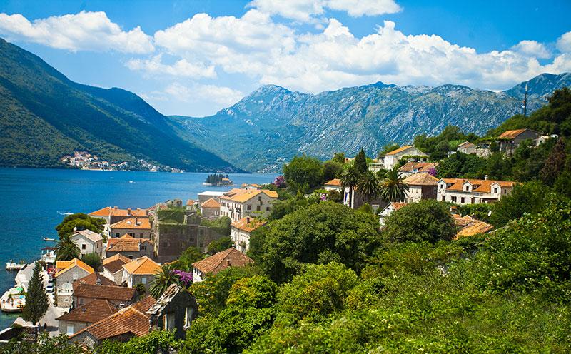Дорога вдоль Боко-Которской бухты (Черногория)