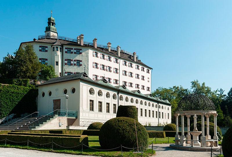 Куда съездить из Инсбрука: замок Амбрас