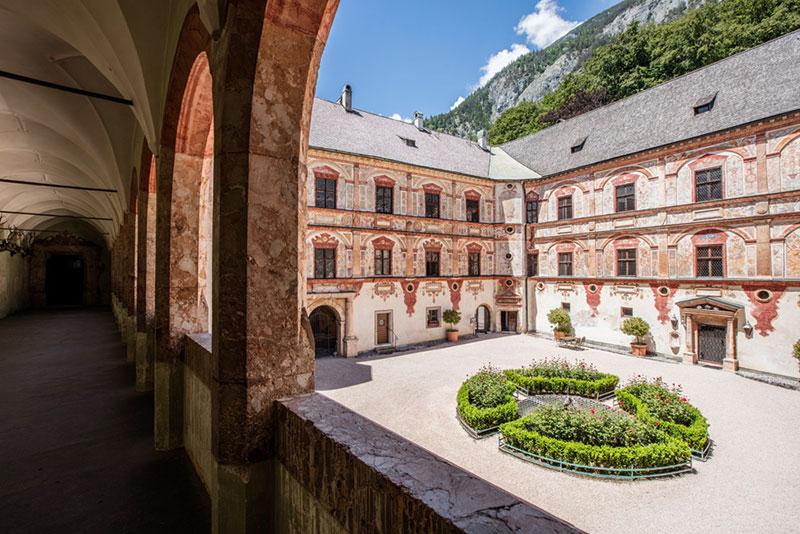 Экскурсии из Инсбрука: замок Трацберг