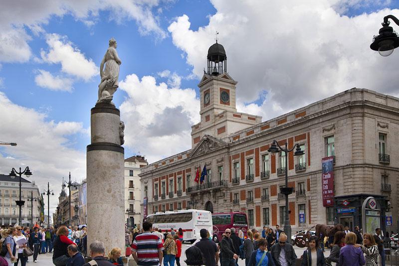 Пуэрта-дель-Соль в Мадриде (Plaza Puerta del Sol)