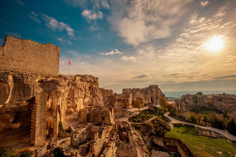 Замок в Ле-Бо-де-Прованс (Франция)