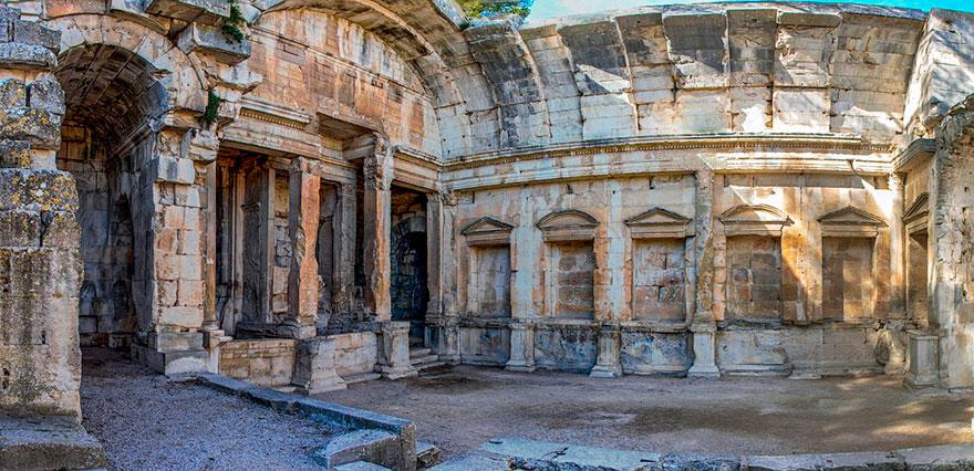 Храм Дианы в Ниме (Прованс, Франция)