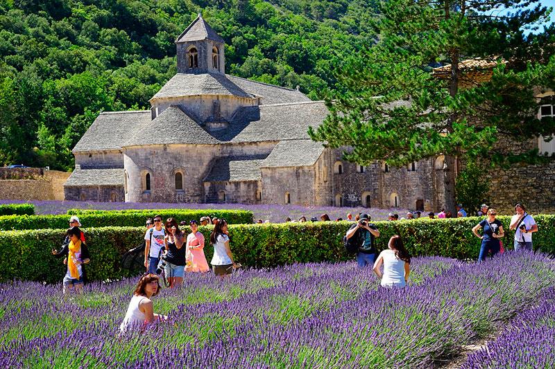 Аббатство Сенанк в Горде (Прованс, Франция)