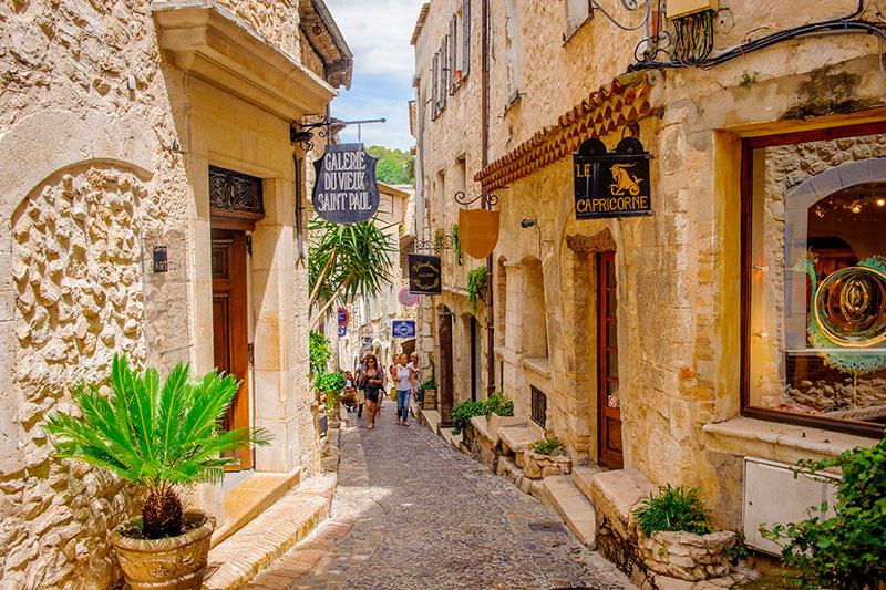 Старый город Сен-Поль-де-Ванса (Франция) Канны 10 мест, куда можно поехать из Канн kuda sezdit iz nitstsy 3