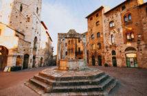 Экскурсии из Сиены: колодец на площади Сан-Джиминьяно