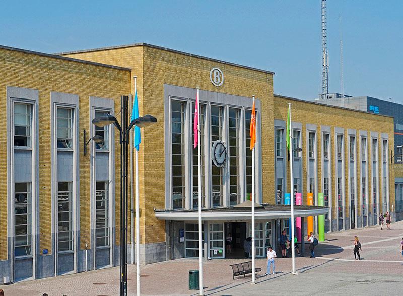 Железнодорожный вокзал в Брюгге, Бельгия