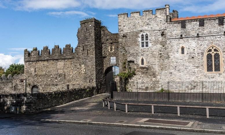 Замок Сордс (Дублин, Ирландия)