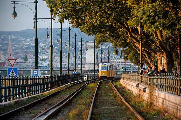 Осень в Венгрии — время кататься на трамвае