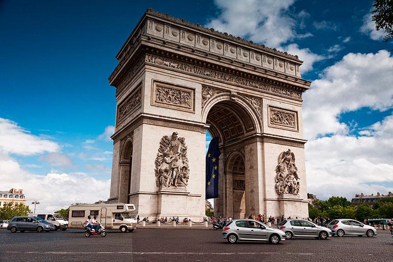 Триумфальная арка в Париже: как добраться