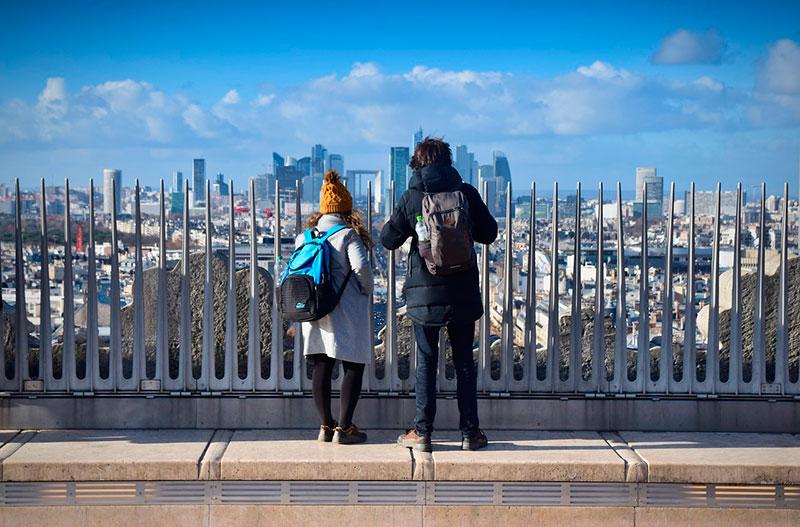 Вид с Триумфальной арки Парижа
