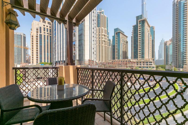 Вид на новый Дубай из старого